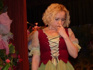 Anna Szoszkiewicz w roli Alicji